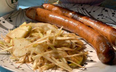 Vitkålssallad med äpple och salladslök