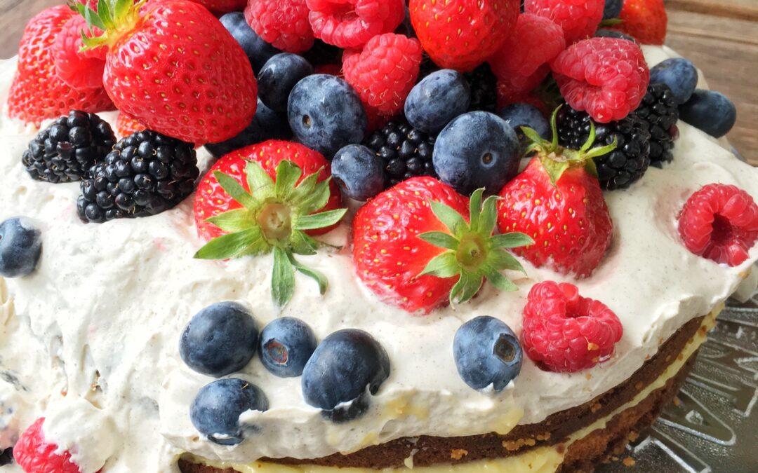 Bärig sommartårta