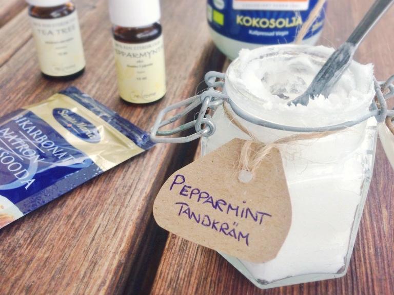 Hemmagjord tandkräm med pepparmint