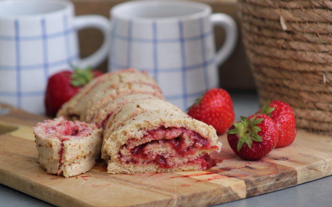 Rulltårta med jordgubbssylt